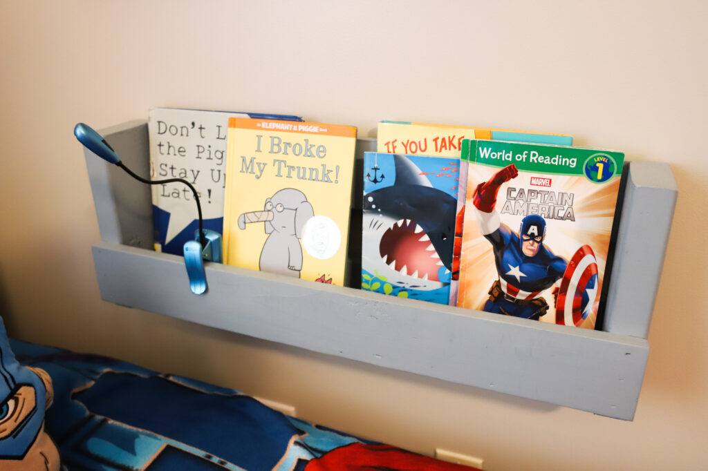 Pallet book shelve with picture books.